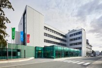 The Lean Lab building in Münster, Germany, locates 45 functional lab workplaces, spacious offices and testing rooms.