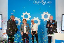 "Karl-Josef Laumann (Minister of Labor, Health and Social Affairs of the State of North Rhine-Westphalia), Wendela-Beate Vilhjalmsson (Mayor of the City of Münster), Susanne Richert (Project Manager ""Lean Lab"") and Dirk Bremm (President BASF's Coatings division) opened the Lean Lab in Münster, Germany."