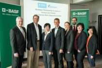 Representatives from BASF and Glycosyn signed a collaboration agreement on May 14, 2019 endorsing their commitment to advance nutrition with novel HMOs.