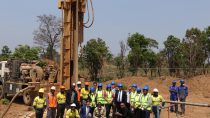 """The """"Cobalt for Development"""" project team visits an artisanal mine in Kolwezi, DR Kongo, with the Minister of Mines for Lualaba Province, Jean-Marie Tshizainga Sanama Popa."""
