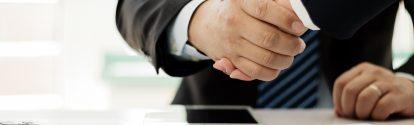 Business people shaking hands; Shutterstock ID 1369426835; Jobnummer: 20746804; Projekt: Präsentation; Endkunde: BASF SE, ESI/K Frau Schuh; Sonstiges: BASF SE, ESI/K Herr Götzger