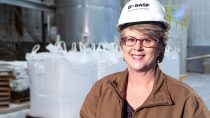 Traceable supply chain: Mica sourcing at BASF Colors & Effects